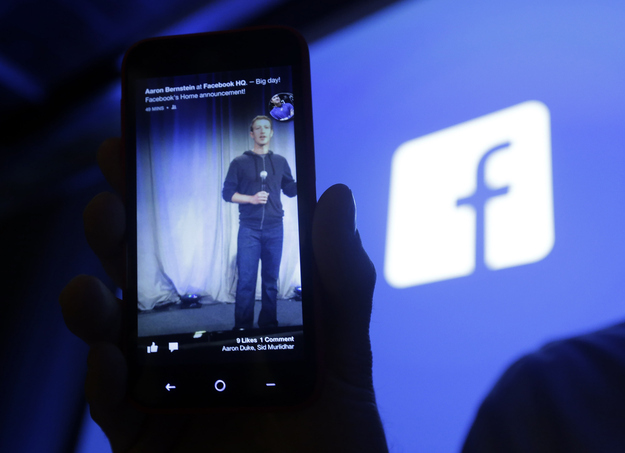 """Facebook Has Most """"Mobileness"""" Of Top Internet Media Companies"""